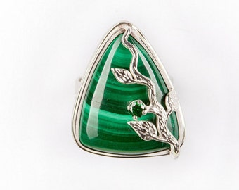 ring with malachite stone