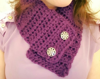 Crochet scarf with buttons