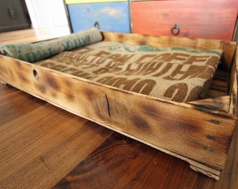 "Cat bed / pet bed ""K[r]atzbett rustic"" 100 % upcycled"