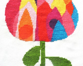 Bold modern Waratah flower easy cross stitch pattern, two PDFs, two sizes. Australian wildflower, popart, retro. Digital download.
