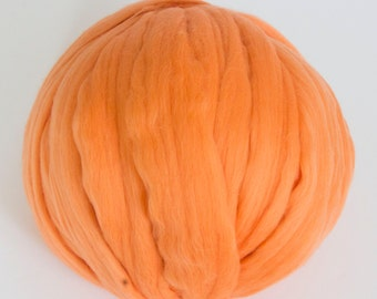 Merino Wool Yarn, Merino Wool, Bulky Yarn, Chunky Blanket, Ball of Wool, arm knit blanket, unspun wool roving, chunky knit, DIY
