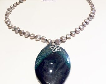 Cultured pearl necklace, black spinel and agate pendant