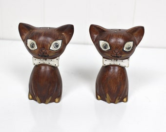 Vintage Winking Cat Salt and Pepper Shakers