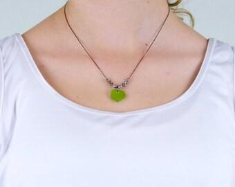 Green apple seaglass heart necklace «Da'vehnan»
