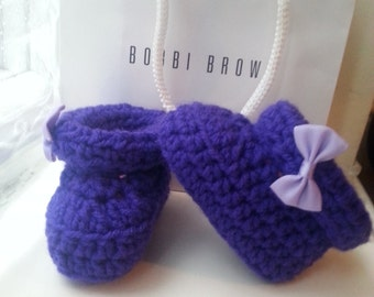 baby  girl booties, purple booties with bow,handmade booties,crochet purple booties