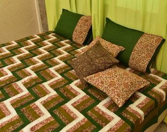 Green Rail Fence Design Bedspread