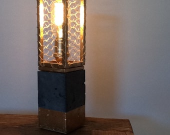 Concrete & Wire Lamp - Gold