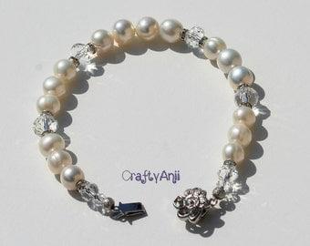 Bracelet - white freshwater pearls