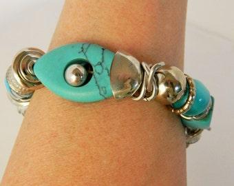Chunky Turquoise Stretch Expandable Statement Bracelet Silver Tone Boho Costume Jewelry