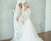 Meri / Elegant flower decor wedding dress / Boned