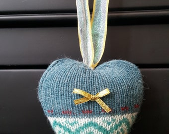 """Small Blue Patterned Cushion Scented Heart With Gold Bow 4""""x 4.5"""""""