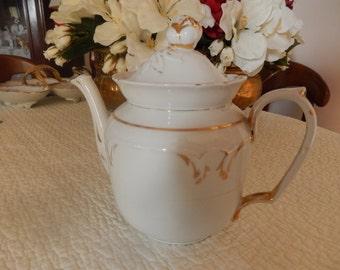 teapot porcelain white and gold time Paris 19th