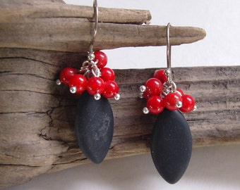GR earrings - Onyx with coral