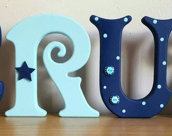 15 cm free standing full name