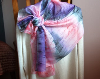 """scarve """"FUCHSIA """".Gifts and Manufacturing under the order shawls, scarves, tunics, paintings by manual art of painting on silk"""