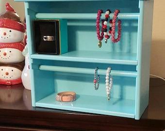 Cuff bracelet storage organizer
