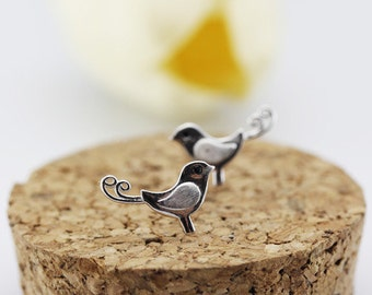 bird stud earrings,sterling silver bird stud earrings, tiny bird earrings, simple bird earrings,animal earrings,animal stud earrings