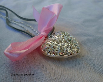 Suede filigree heart and knot necklace