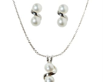 Real fresh water pearls with sterling silver 925, best gift for everyone
