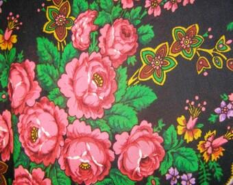 Very big Soviet Wool scarf. Ukrainian shawl. Wool. Flower scarf. Black roses. USSR. Vintage 80's.