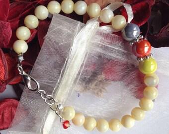 Light Cream Glass Beads Bracelet with Swarovski Bicone