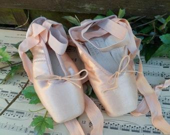 Dance slipper Pietra, Pietragalla Merlet, cutting-edge dance, salmon color liner