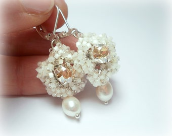 White Earrings with freshwater Pearls