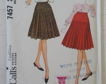 Vintage 60's McCall's 7457 Skirt Sewing Pattern Waist 28
