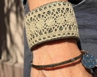 Simple Lace Cuff