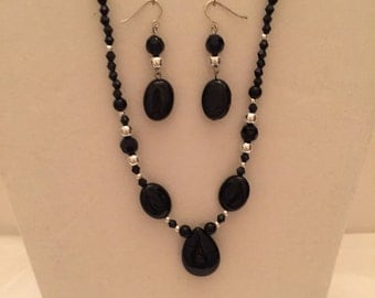 Petite Black Onyx Y Jewery Set/Necklace and Earrings/Beaded  Jewelry