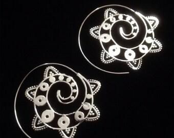 Ethnic inspired spiral mandala tribal earrings (white brass)
