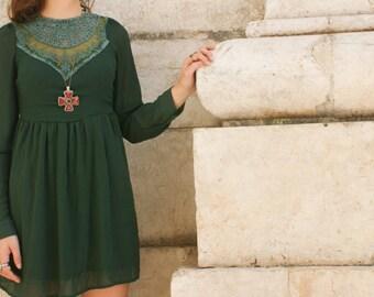 Vtg. Folk/Green forest dress.
