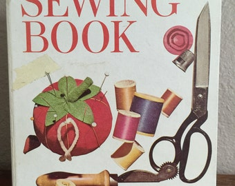 Better Homes and Gardens Sewing Book Second Edition first printing