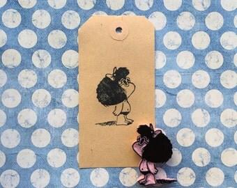 Sello de Mafalda bañador carvado a mano en goma.