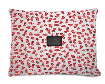 Red Lips Onelabel Cushion