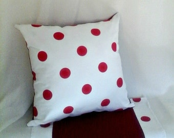 "20"" Polka Dot Square Pillow Cover w/ Centerpiece Cloth, Red White Pillow, Gift, Modern pillow, Sofa cushion, Throw pillow, Red Pillow"