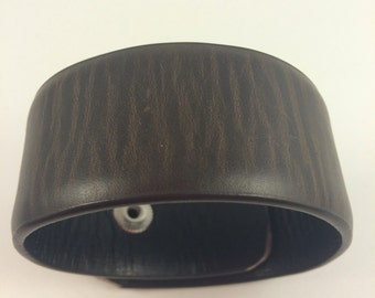Brown leather cuff for men or women