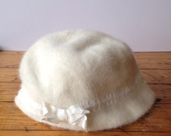 Fuzzy White Cream Cloche Hat with Bow 1960s
