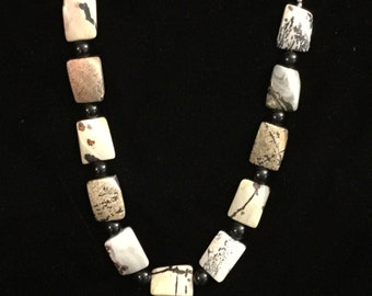 Picture jasper and onyx necklace
