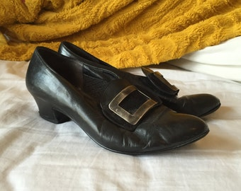 vintage witch kitschy big buckle heels 6 6.5
