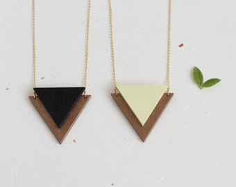 Onlay triangle necklace