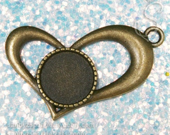 1 - Pendant, Whimsical Bronze Heart Bezel Pendant 42x27mm with Round 14 mm Cabachon Blank,  Resin Bezel Blanks, SZS1041