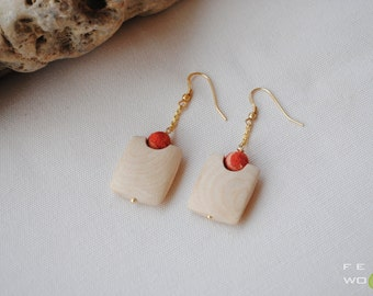 Ash wood and coral earrings
