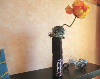 Bottle dress bottle cover crocheted vase made of 100% cotton with satin ribbon and wood beads