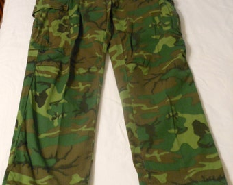 1980's  Military Camouflage Jungle Poplin Class 2 DSA pants EXCELLENT Condition