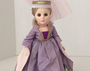 Maid Marian collectible doll Vinyl 1176 Effanbee 11 inches tall 1975 vintage