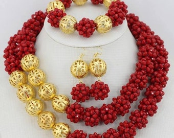 Set of necklace and earrings jewellery