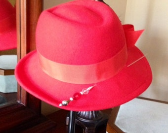 Hat Pin - Scarlet and Gray