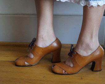 Vintage Crossover Heels