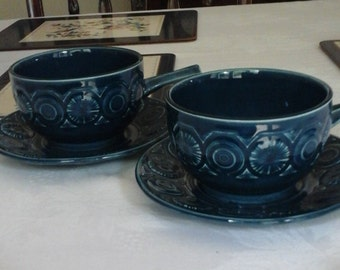 2 Retro Tams England soup bowls with saucers
